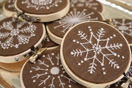 crewelkits_Gingerbread-Snowflakes_2